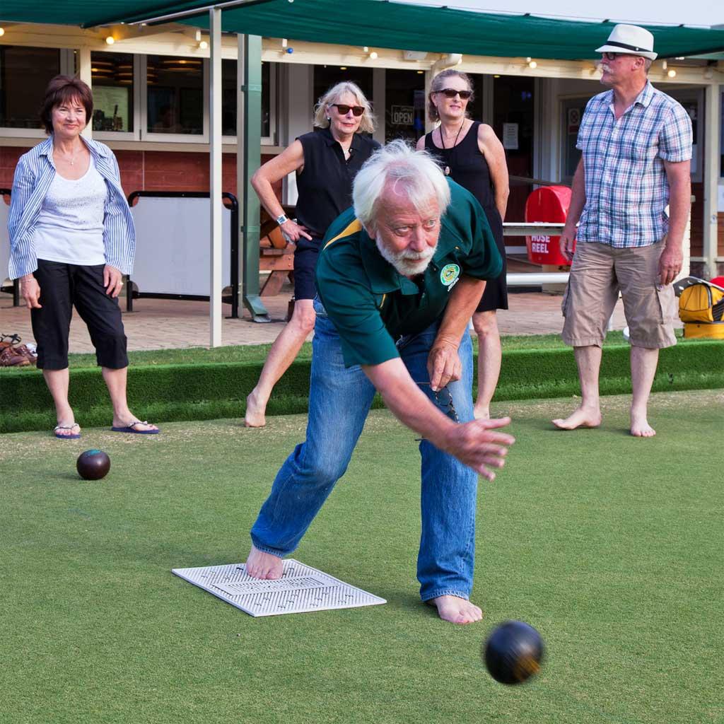 Jon-bowling-with-Chris-Judy-Sue-Dick