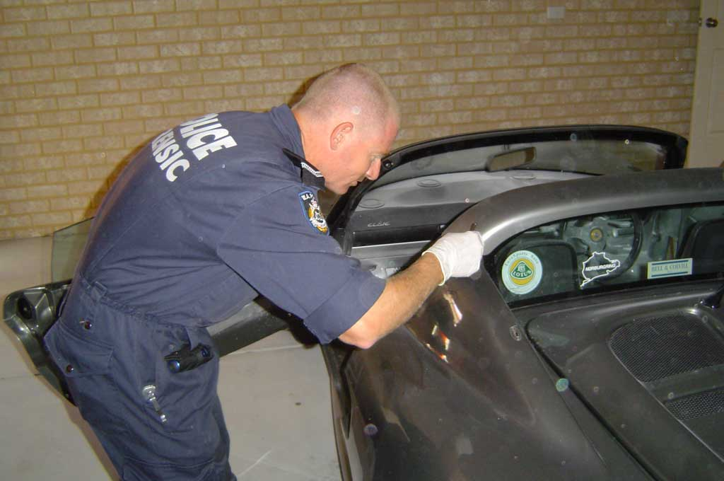 WA_Police_Forensic_Unit_at_work