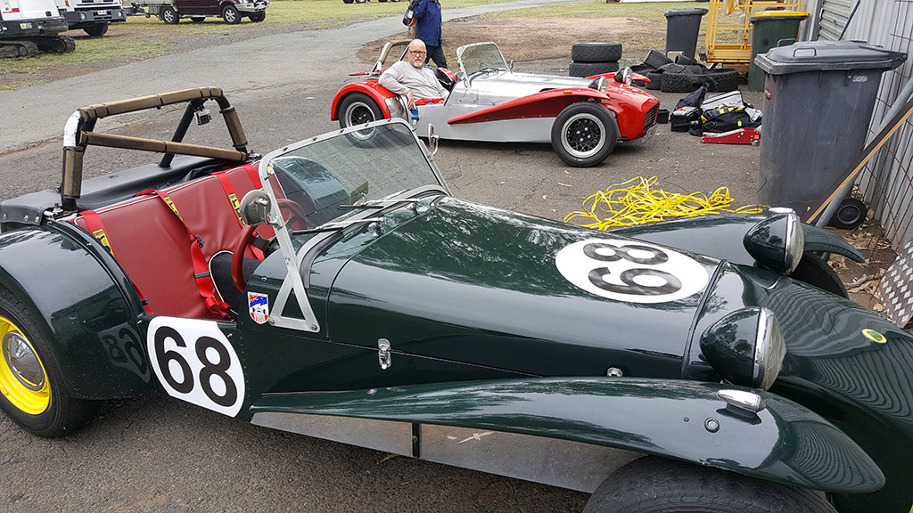 A pair of Sevens, The Green Machine and the Red Machine
