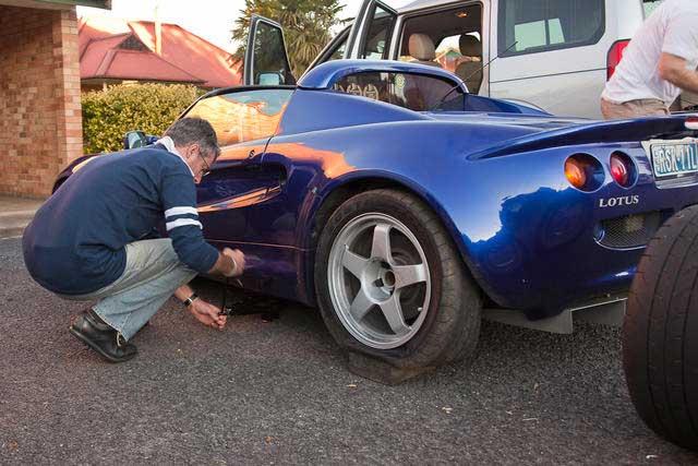 BTP4-Changing-tyres