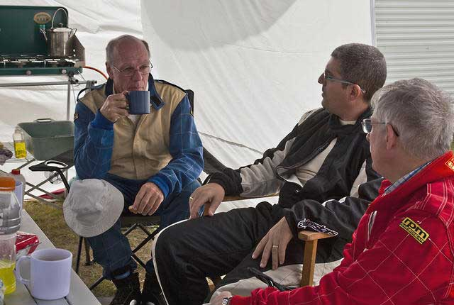 John,-Jason-and-Clive-having-a-cuppa-in-the-Lotus-Hilton