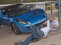Geoff-helping-Dan-do-some-repairs-