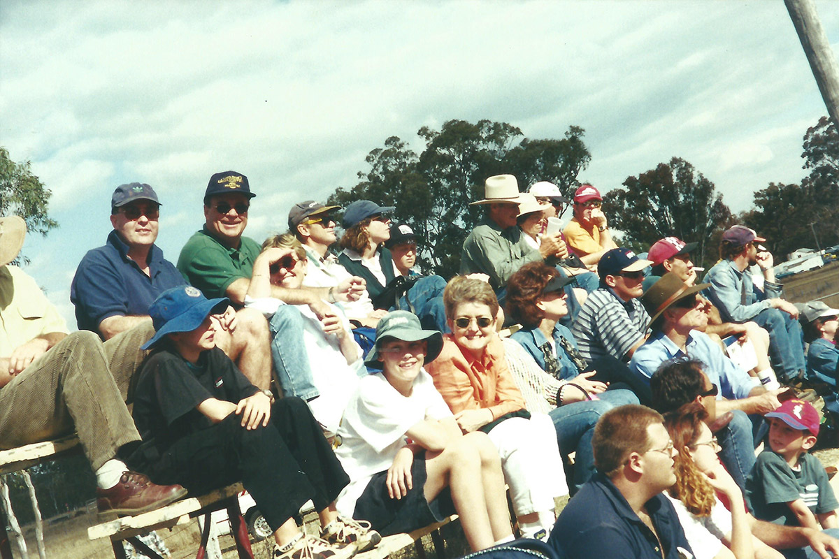 2000-crowd-scene-spot-the-young-Murphys