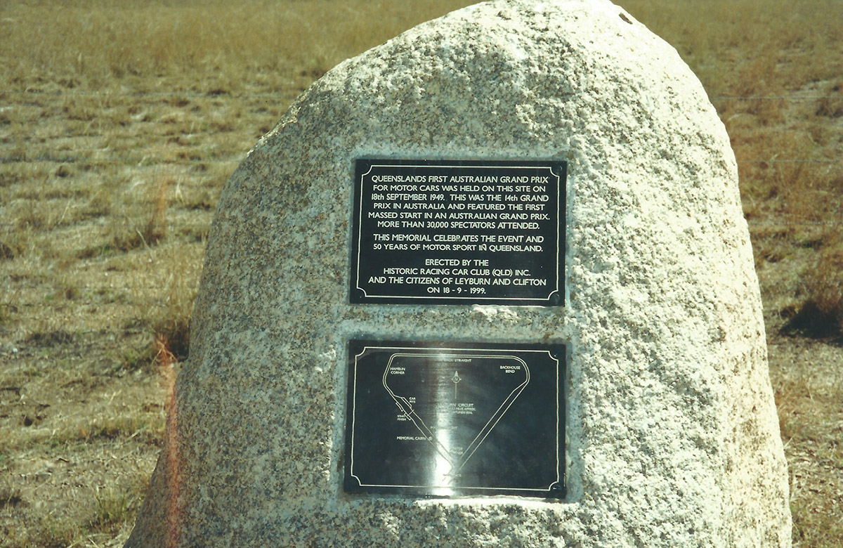 Monument-at-the-original-Track-Airfield
