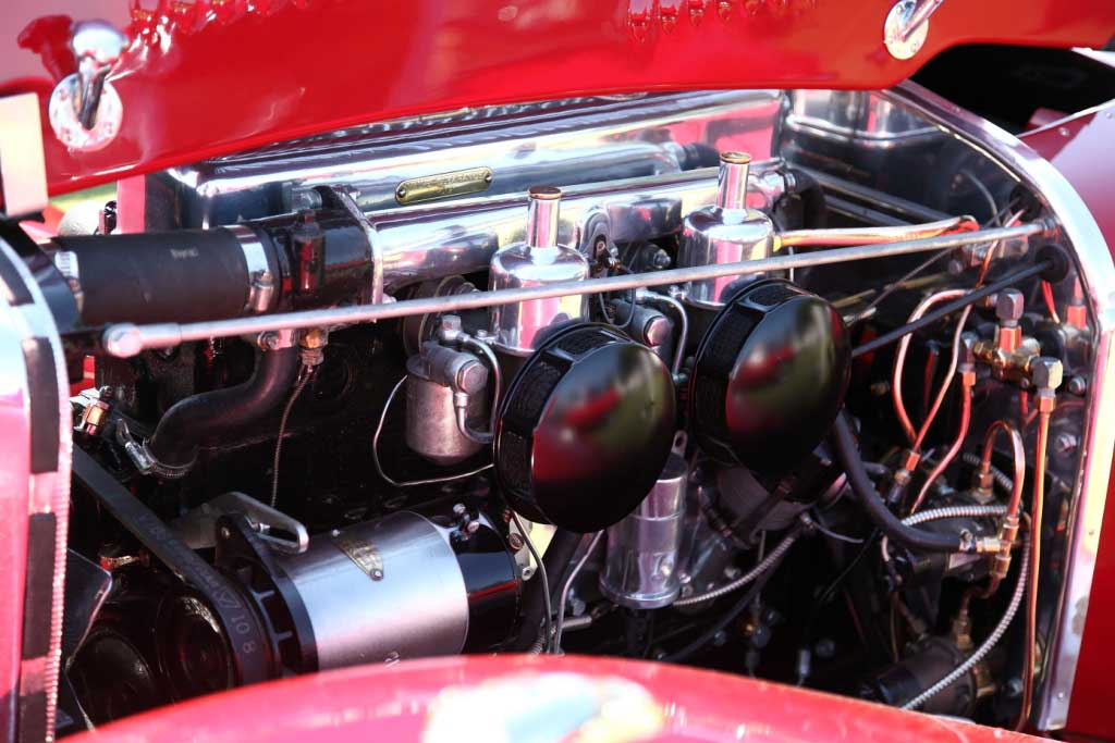 1938_SS_Jaguar_100_Engine_Bay