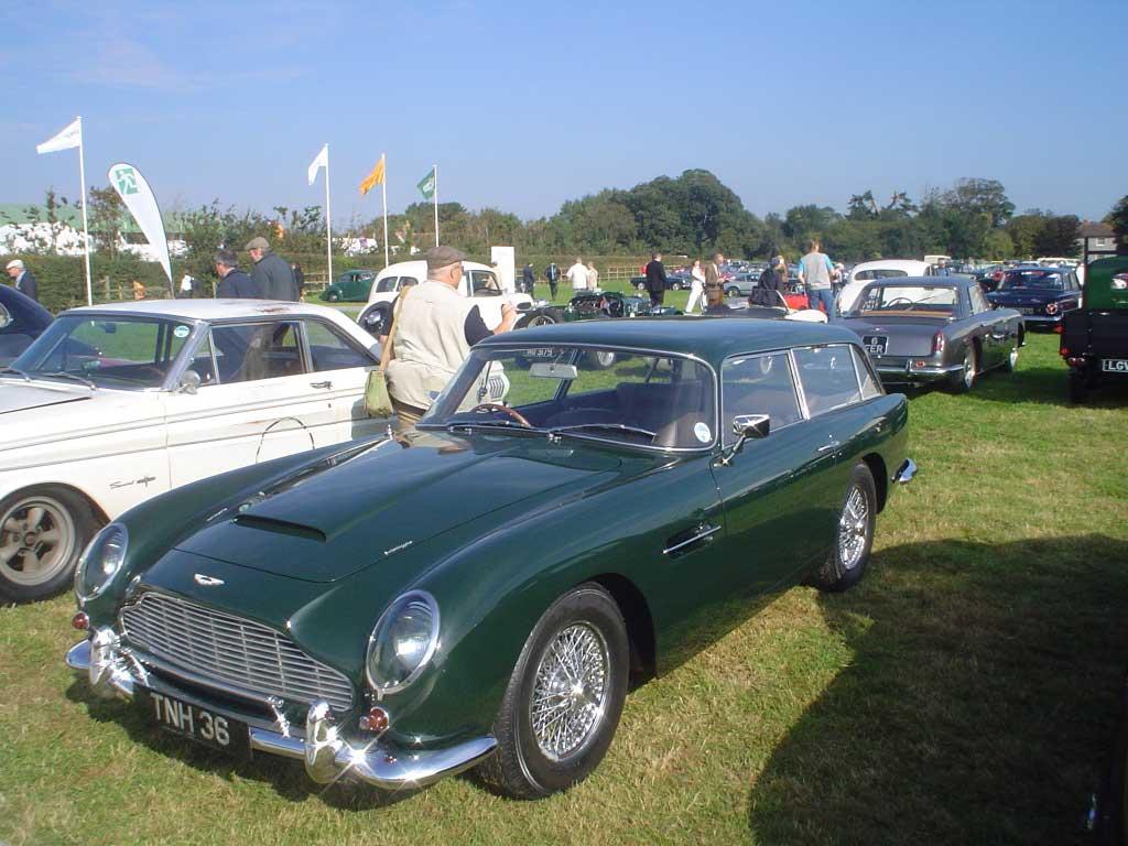 Aston_Wagon