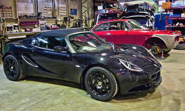 Lotus-Elise-S3-on-display