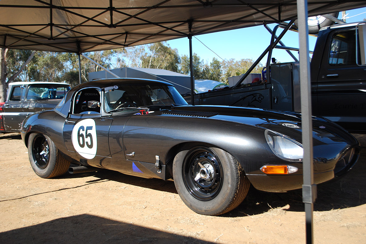 Reproduction-Lightweight-E-Type-Jaguar