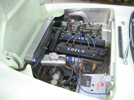 Elan engine bay