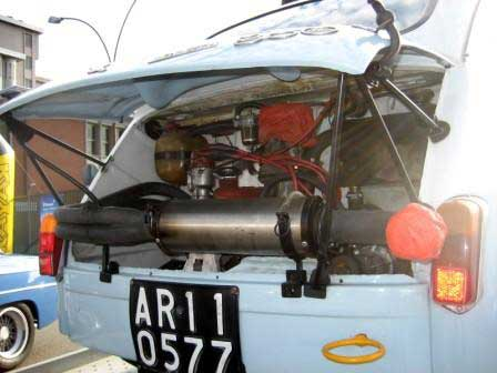 Italy 2 Blue Fiat 600 rear