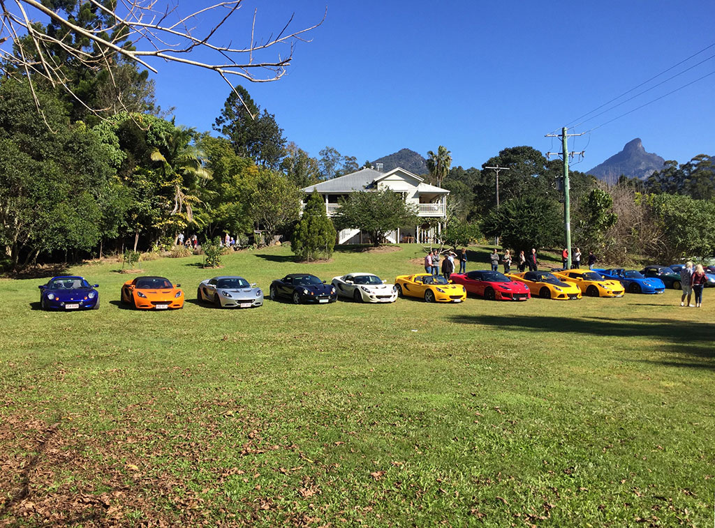 Mavis's Kitchen, Mt Warning and the cars