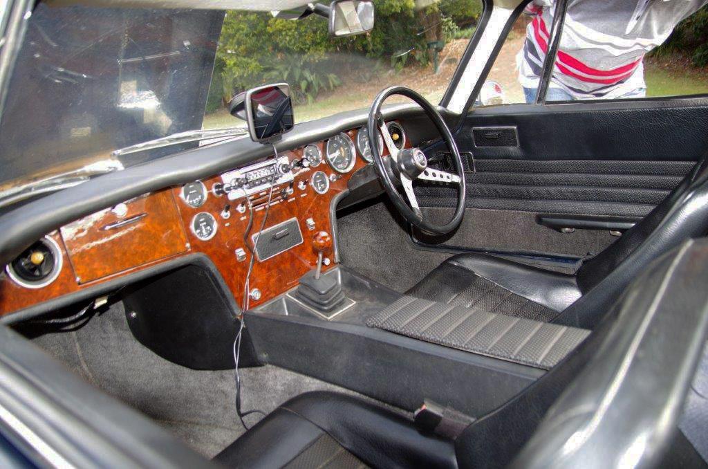Plus-2-interior