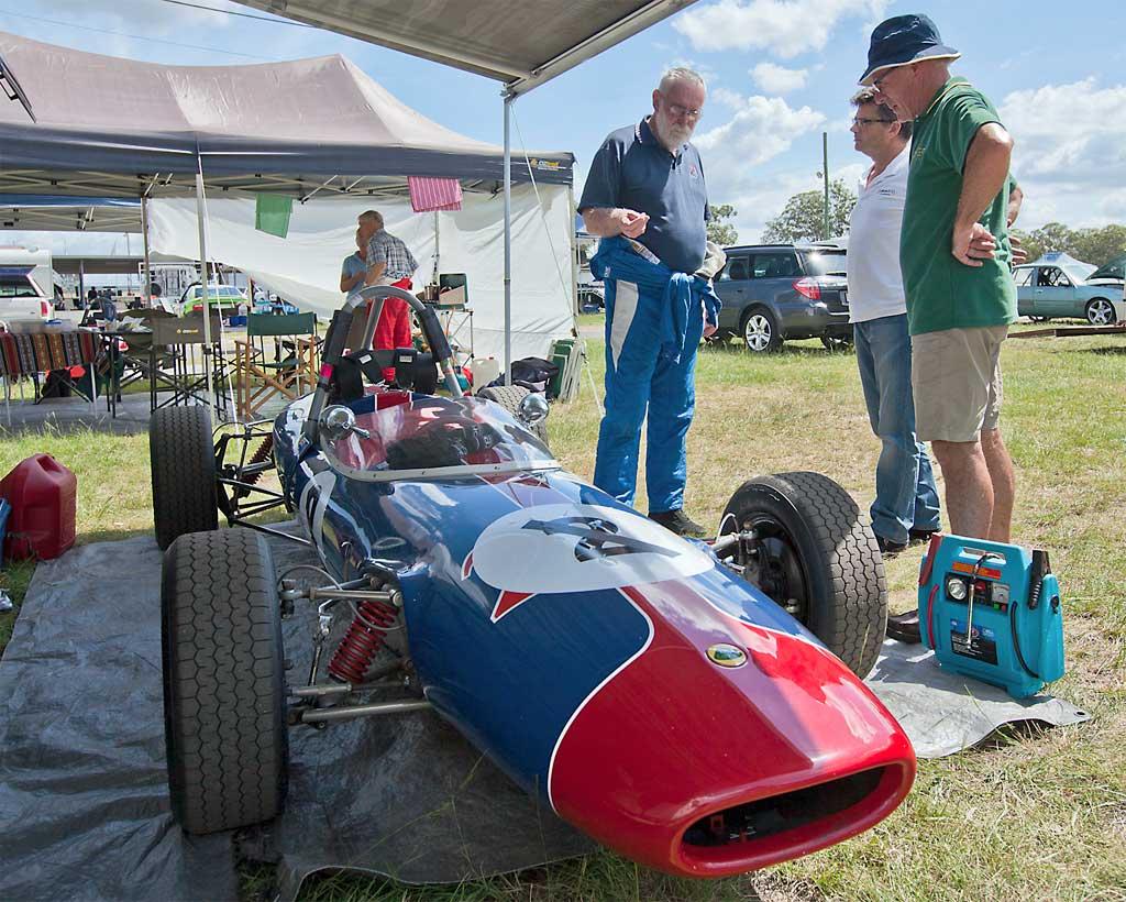 21-Lotus-51-Allan-Mike-John.jpg