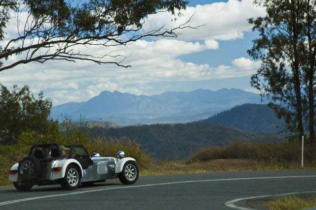 Daryl-and-Moira-heading-back-to-Canungra