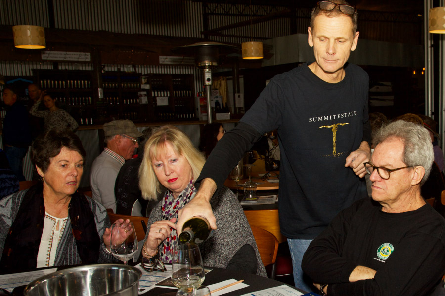 LeighCarolyn-Craig-wine-tasting_GW